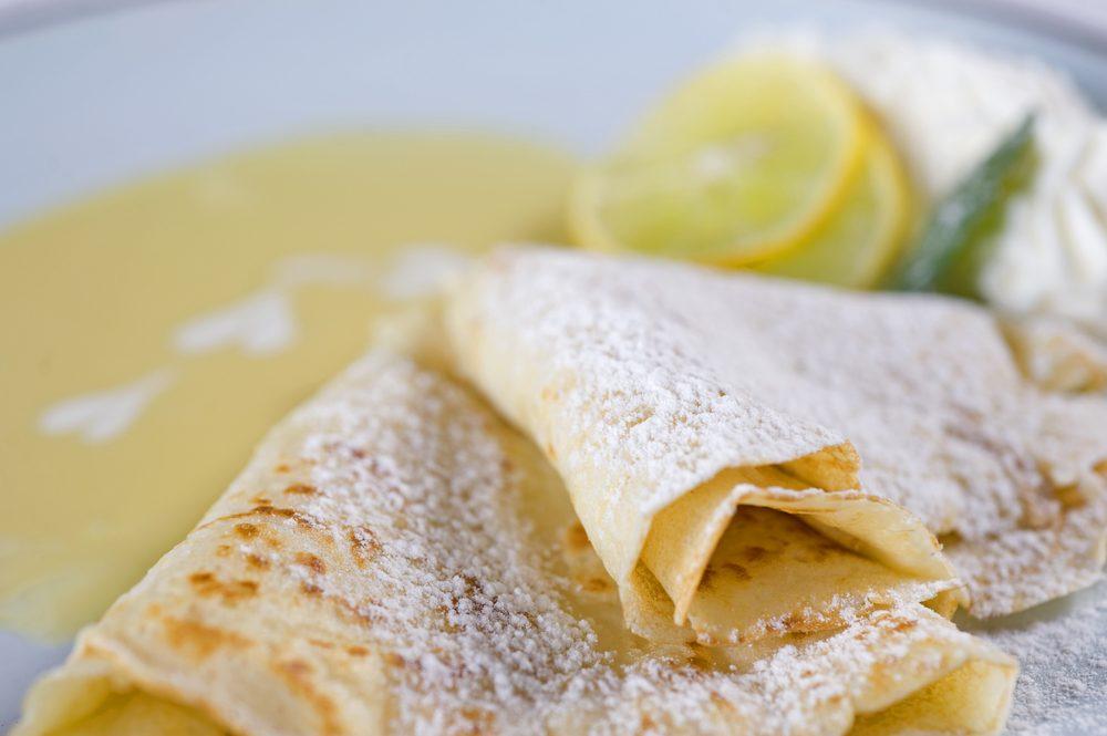 Notre meilleure recettes de crêpes végétaliennes au citron.