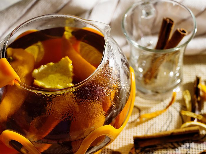Thé et tisane à l'écorce d'orange.