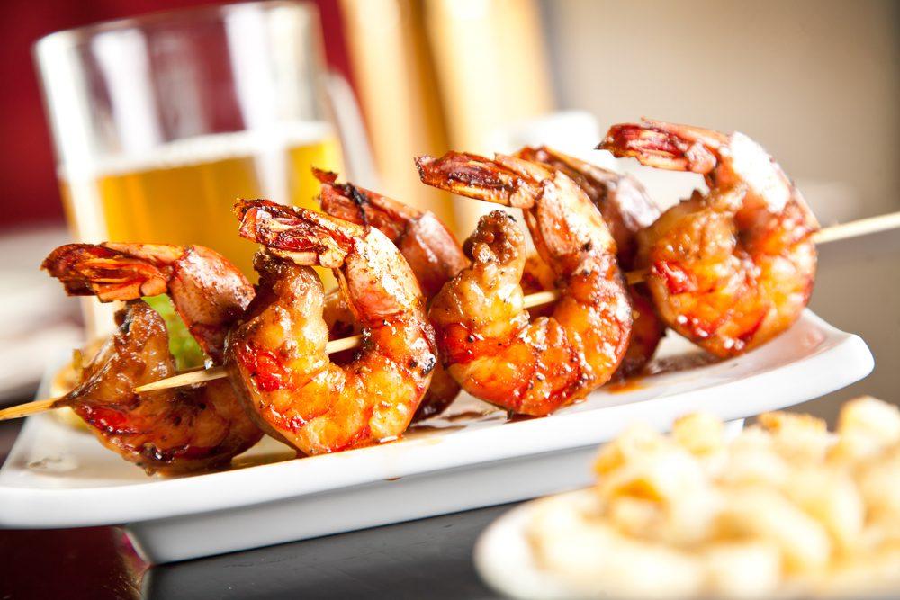 Meilleures recettes rapides et santé: brochette de crevettes.