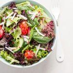 Verdures et sauce crémeuse à l'ail