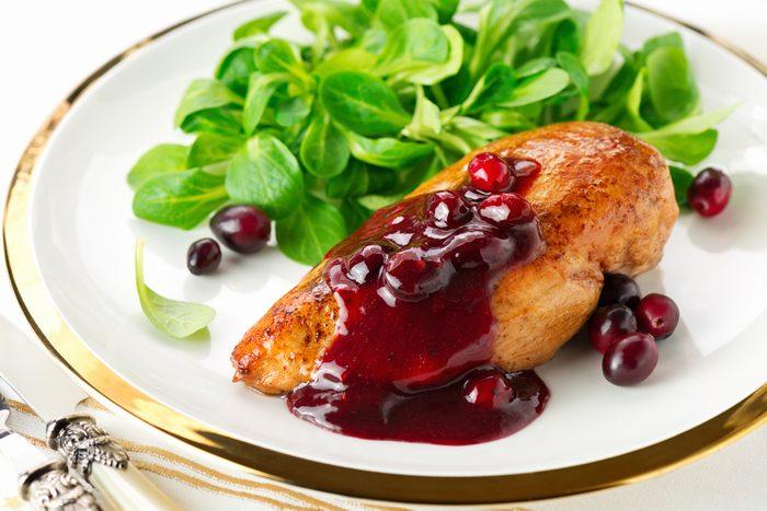 Une recette de poulet, sauce aigre-douce aux canneberges