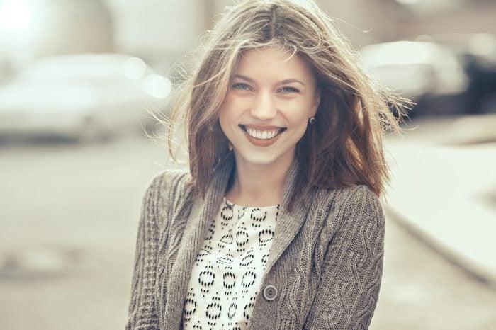 Découvrez comment stimuler vos hormones du bonheur: la dopamine et la sérotonine.