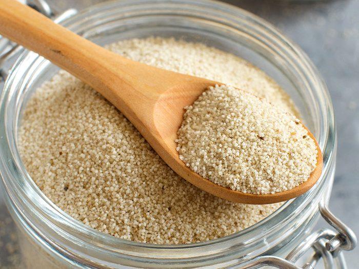 Le fonio est l'un des grains anciens nutritifs et riches en protéines.