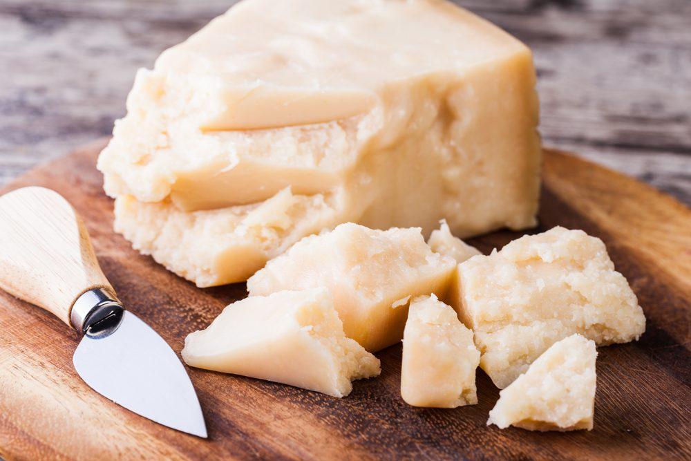 Vous ne devriez jamais racheter de fromage Parmigiano-Reggiano