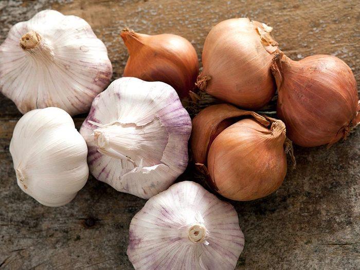 Parmi les aliments anti-inflammatoires, on retrouve l'ail.