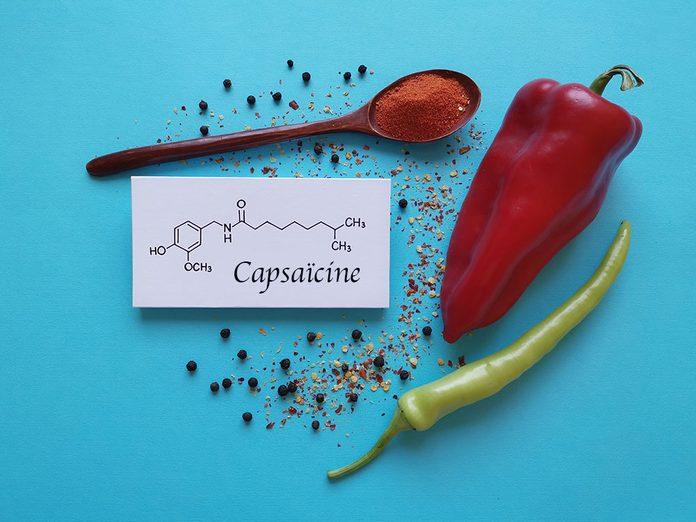 La capsaïcine peut soulager les douleurs articulaires et musculaires.