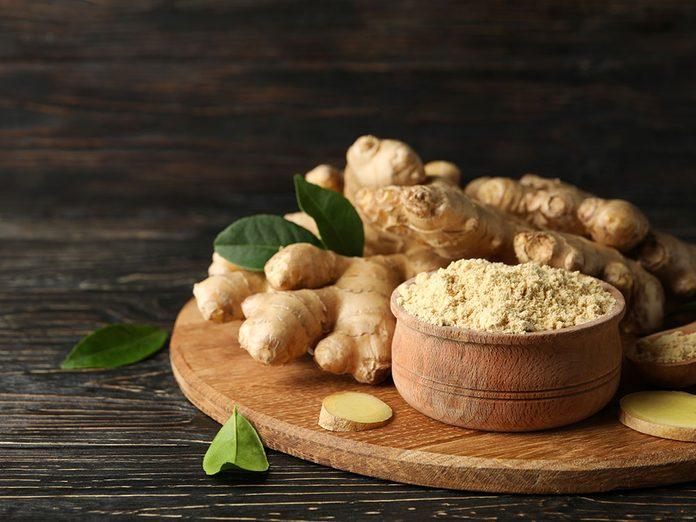 Le gingembre peut soulager les douleurs articulaires et musculaires.