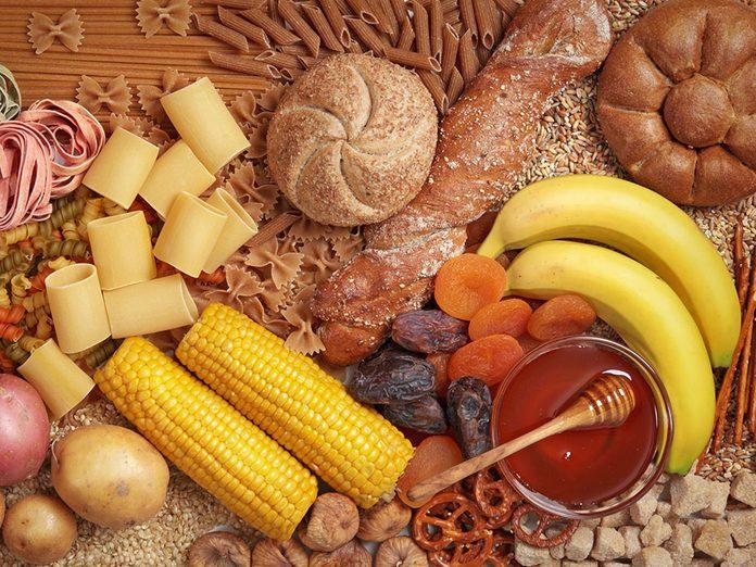 Éviter les sucres et les glucides peut soulager les douleurs articulaires et musculaires.