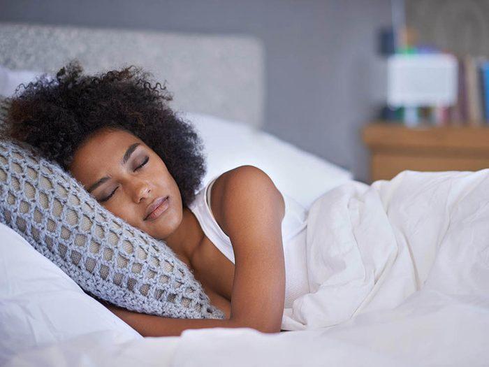 Conseils pour la chambre à coucher: offrez-vous une bonne nuit de sommeil.