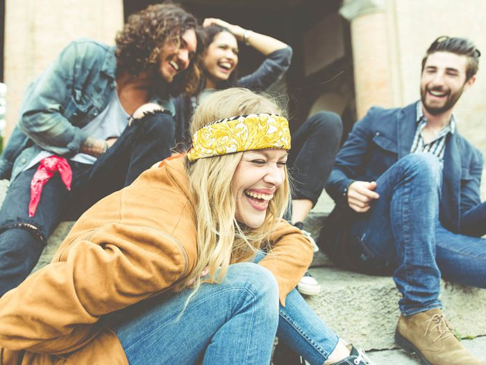 Choses à savoir sur le rire: c'est parfois un moyen de défense face à autrui.