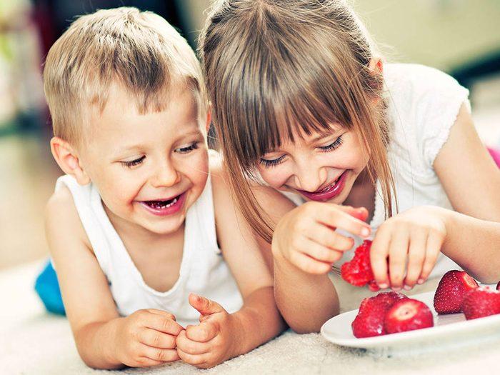 Choses à savoir sur le rire: l'humour se développe avec l'âge.