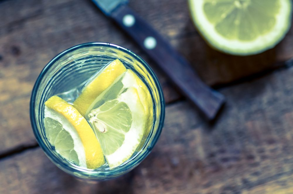 Pour couper des calories, buvez de l'eau plutôt que des boissons gazeuses.