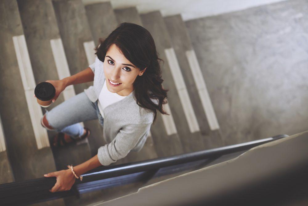 Pour couper des calories, prenez les escaliers plutôt que l'ascenseur.