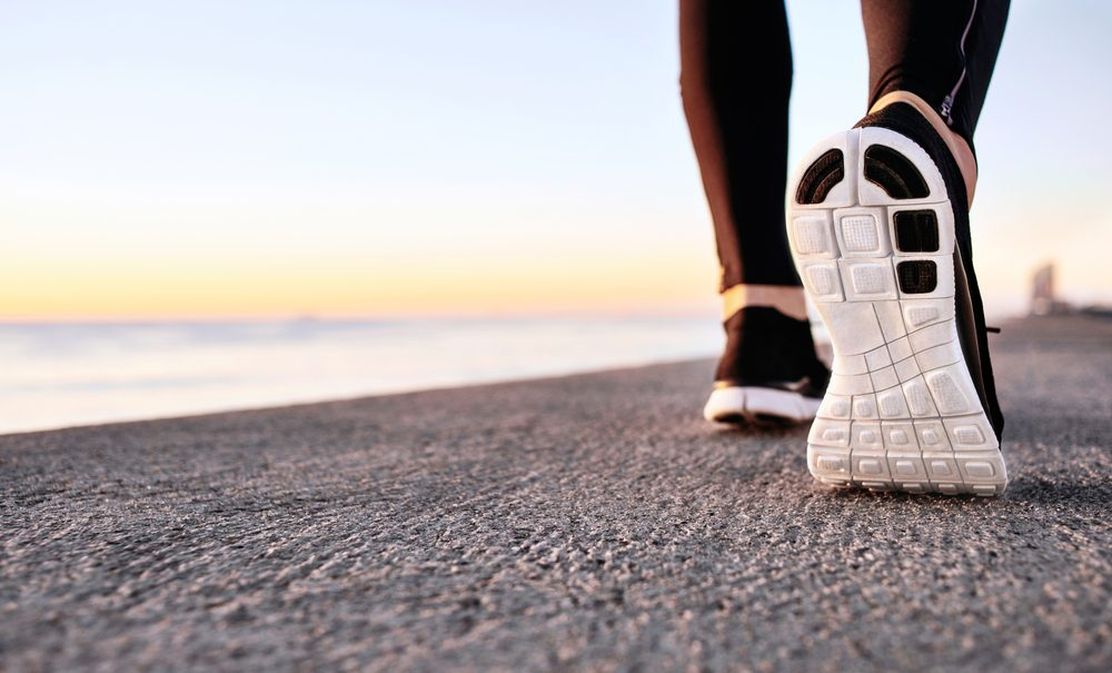 Pour couper des calories, essayez la marche rapide.