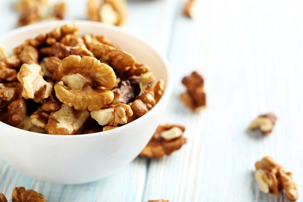 Parmi les meilleurs aliments pour contrer le diabète, les noix de grenoble.