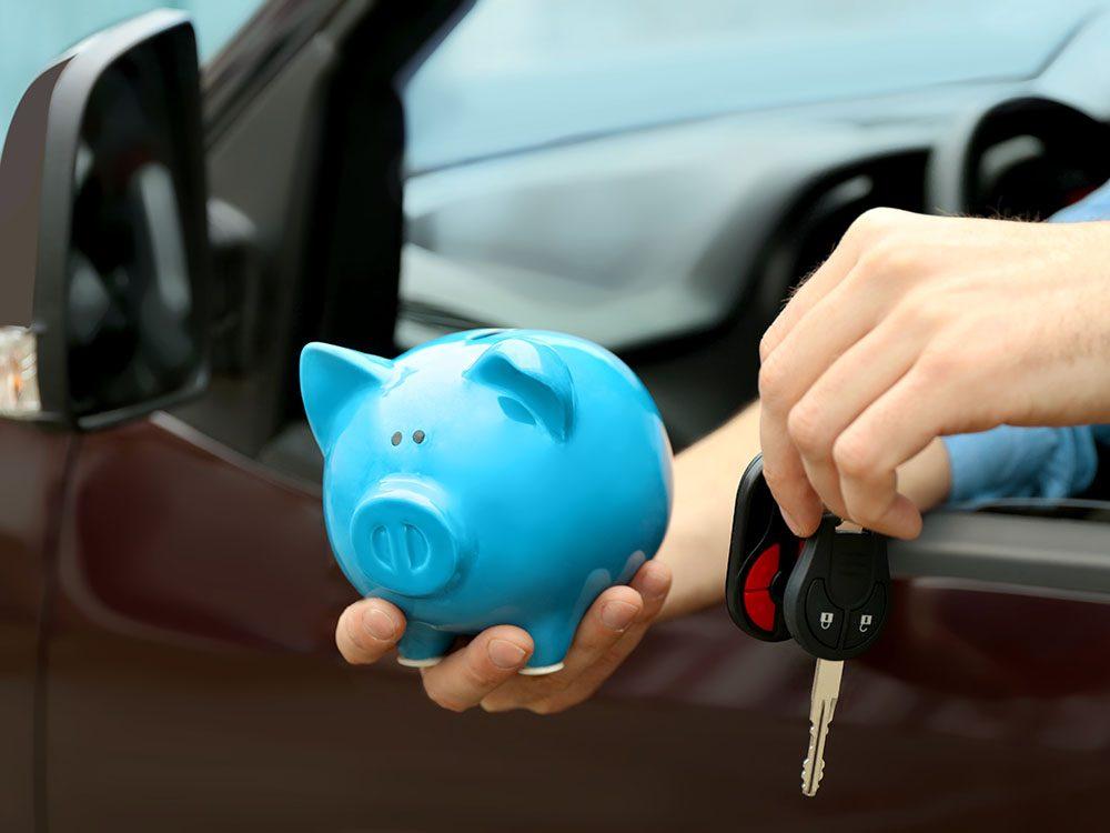 Achat d'une voiture de l'année passée: bénéficiez de rabais intéressants.