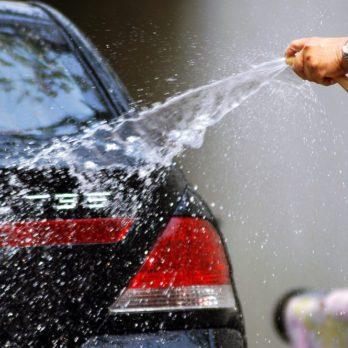 26 trucs inusités pour laver votre voiture