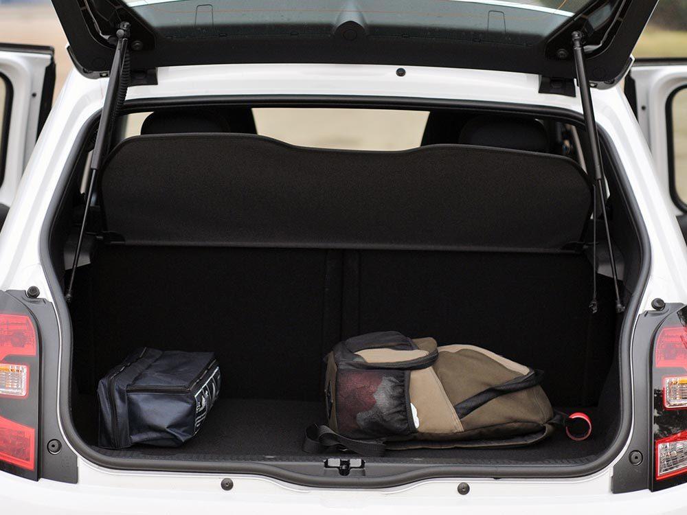 Entretien ménager: mettez dans votre voiture ce dont vous voulez vous débarrasser.