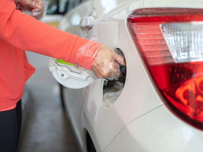Réparation de voitures: les appareils pour économiser de l'essence.