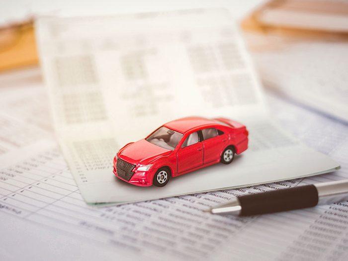 Des réparations de voitures qui ne sont pas garanties.