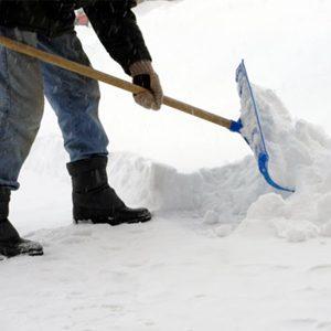 4. Pelleter la neige
