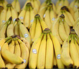 Les smoothies sains contiennent des fruits entiers.