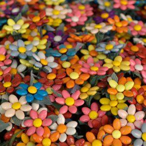 4. Achetez des bonbons confettis