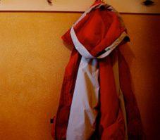 4. Pour faire sécher les vêtements en nylon, suspendez-les