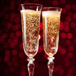 Versez la boisson dans des verres hauts et minces pour profiter au maximum des bulles