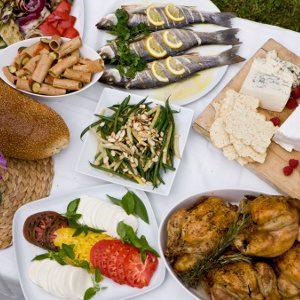 5. En quoi consisterait un repas de fête à votre maison?