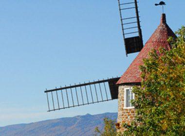 6. Les moulins de l'Isle-aux-Coudres, une attraction touristique unique
