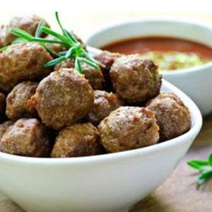 Préparez des boulettes de viande plus juteuses... avec de la compote de pommes!
