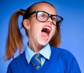8. Lorsque nous avons une enfant qui jette des choses ou tente de frapper quand elle est en colère...