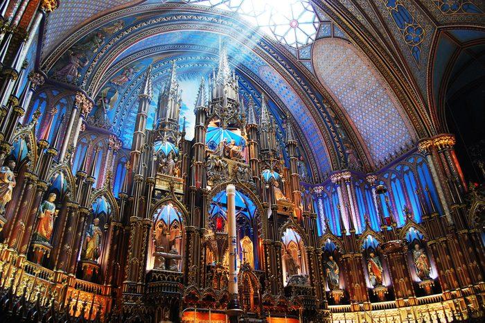 Une attraction incontournable à Montréal: La basilique Notre-Dame