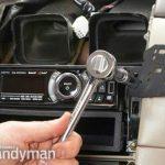 Comment installer un support tableau de bord dans une auto
