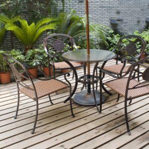 1. Agrandir à l'aide d'une terrasse en bois