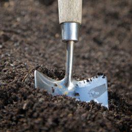 Protéger et ranger les outils de jardin