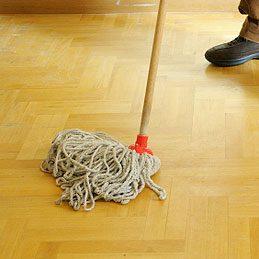 Nettoyer un balai