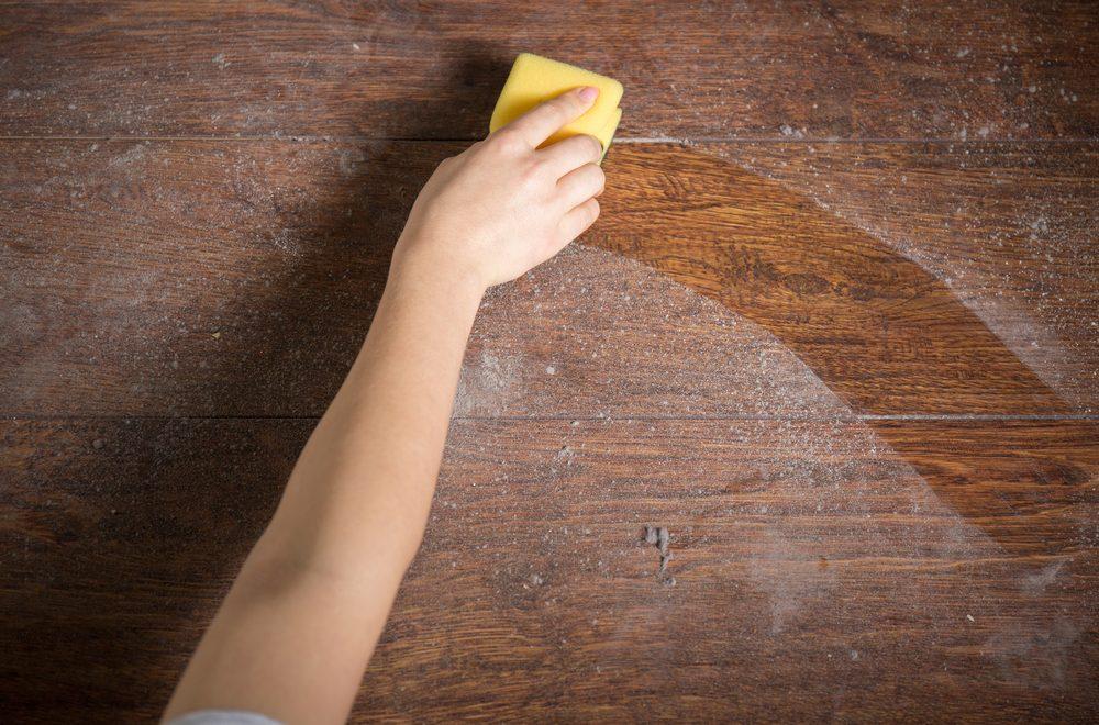 Moyens Simples De Faire Revivre Vos Meubles - Nettoyer un meuble vernis au tampon