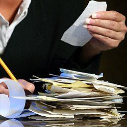 2. Tenez-vous au courant des finances de votre ménage