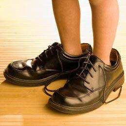 4. Ôter les traces de talon sur le sol