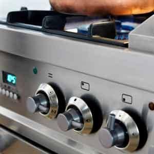 4. Nettoyez régulièrement les différentes pièces de la cuisinière
