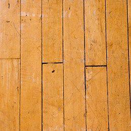 Lisser du mastic à bois