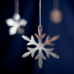 Décorations de Noël en métal repoussé