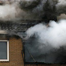 Mythe: Lors d'un incendie, ce sont les flammes qui causent le plus de décès ou de blessures.