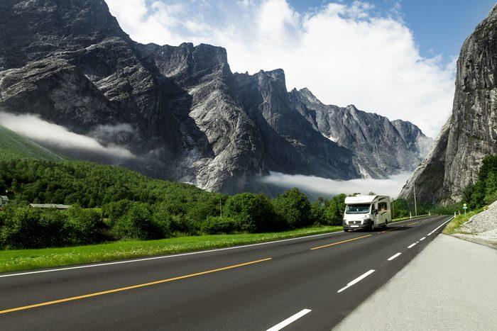En voyage en véhicule motorisé : attention à la différence de conduite