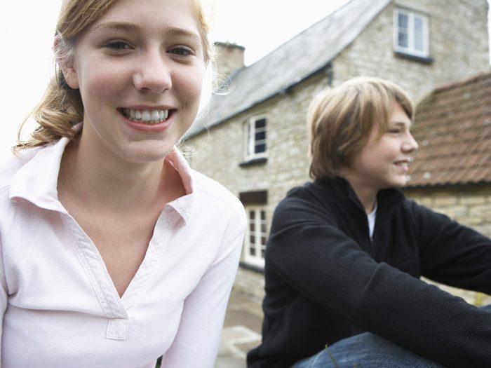 3. Comment les relations entre frères et sœurs changent-elles au courant de la vie?