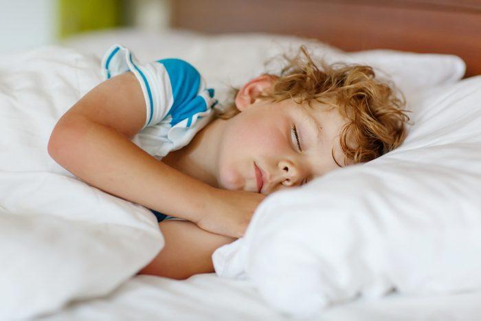 Le sel d'epsom est utile pour aider les enfants à mieux dormir.