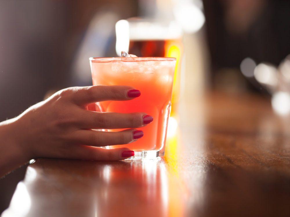 L'alcoolisme féminin.