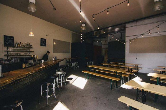 Alexandraplatz Bar, un bar à découvrir!